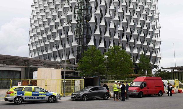 Polizei gibt nach kontrollierter Sprengung in London Entwarnung