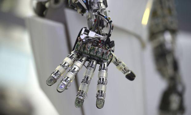 Diese Hand stammt aus dem Robotics Innovation Center
