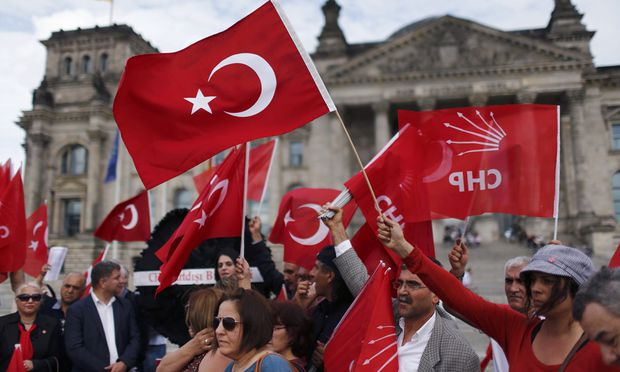 Demonstrators protest against resolution that labels the killings of up to 1.5 million Armenians by Ottoman forces as genocide in Berlin