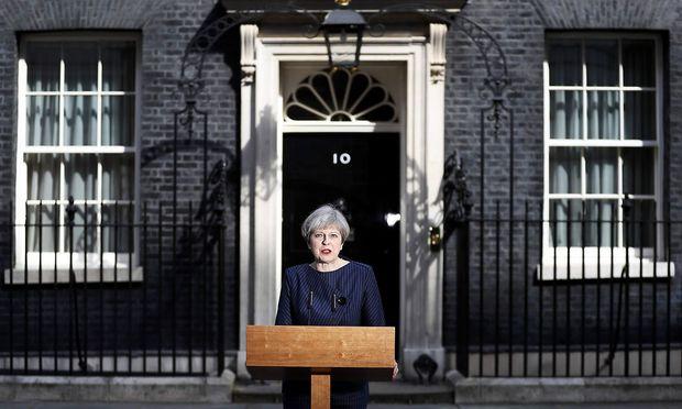 Theresa May will Neuwahlen.