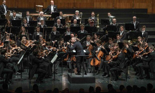 Jubel für das Symphonieorchester des Bayerischen Rundfunks unter dem Kanadier Yannick Nézet-Séguin.