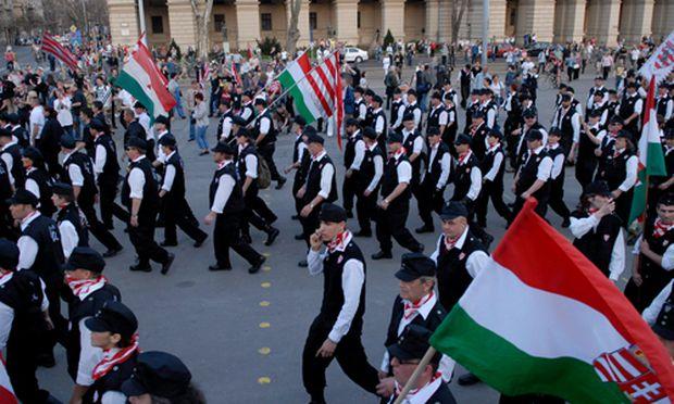 Verbotene ungarische Garde darf