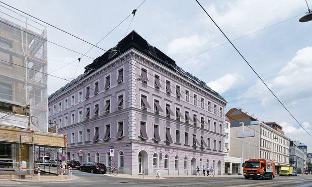 """""""Grauslich""""? Gründerzeithaus, äußere Mariahilfer Straße."""