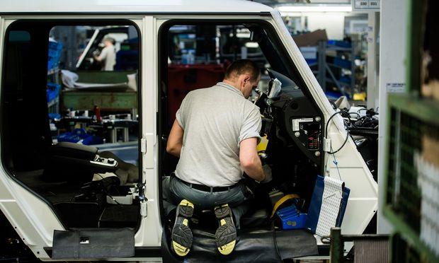 Viele Firmen - wie auf dem Bild Magna in der Steiermark - wollen für neue Mitarbeiter einen staatlichen Zuschuss.