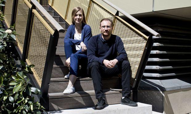 """Architektin Eldine Heep und Designer Klemens Schillinger wurden bei der Sozialmarie für ihre """"Wiener Kuchl"""" ausgezeichnet."""