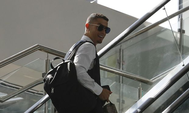 FILE PHOTO: Soccer Football - World Cup - Portugal Departure
