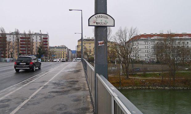 Schlachthausbrücke? Das ist sehr lang her.