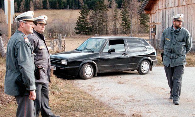 November 1997 - Sieben Tote fordert der Amoklauf des 36-jährigen Mechanikers in Mauterndorf im Lungau in Salzburg.