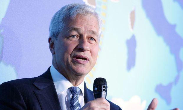 JPMorgan-Chef Jamie Dimon rechnet mit der gehypten Kryptowährung Bitcoin ab