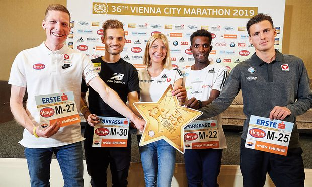 v.l.n.r. Östrerreichs Marathon-Asse Peter Herzog, Christian Steinhammer, Eva Wutti, Lemawork Ketema, Valentin Pfeil