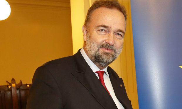 Karl Habsburg.