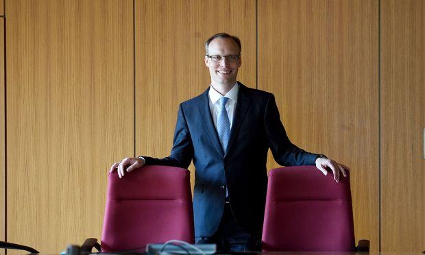 Alexander Biach: Junger Chef, alte Probleme