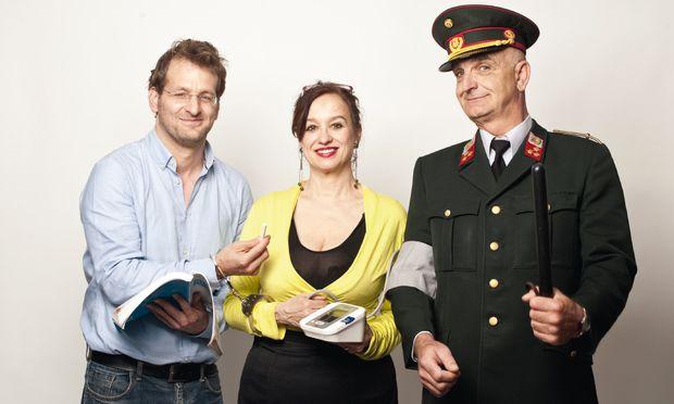 Tagsüber im Job, abends auf der Bühne. Andreas Ferner, Regina Hofer und Manfred Satke (v. l.).
