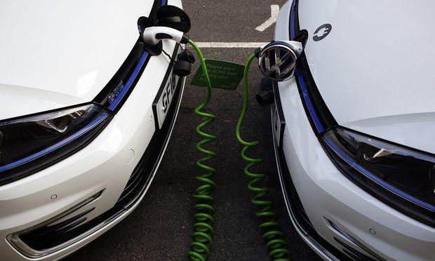 Batterien aus Asien, Software aus den USA: In Sachen E-Mobilität könnte die europäische Industrie ins Schleudern geraten. / Bild: (c) REUTERS (Stefan Wermuth)