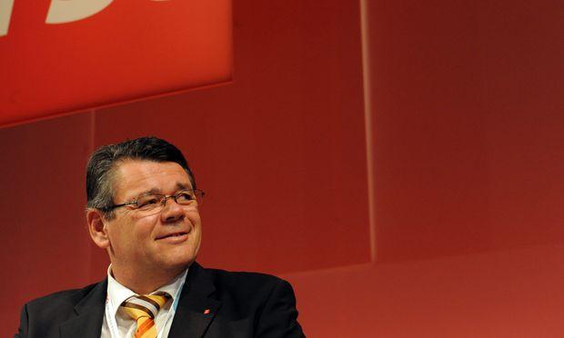 Gewerkschaft will 1700 Euro Mindestlohn