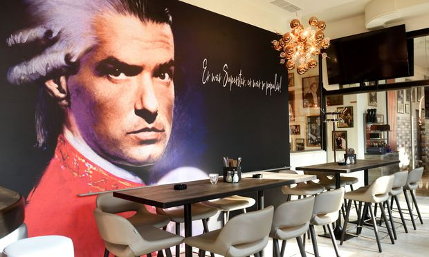 "Falco als Mozart in ""Rock me Amadeus"""