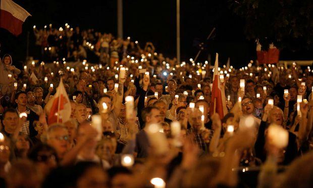 Polens Präsident droht mit Veto gegen Justizreform