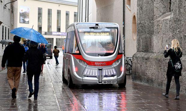 Selbstfahrender Bus in Salzburg.