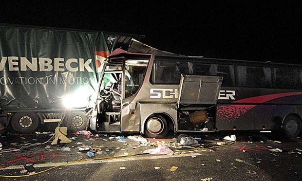 Busunfall auf der A21