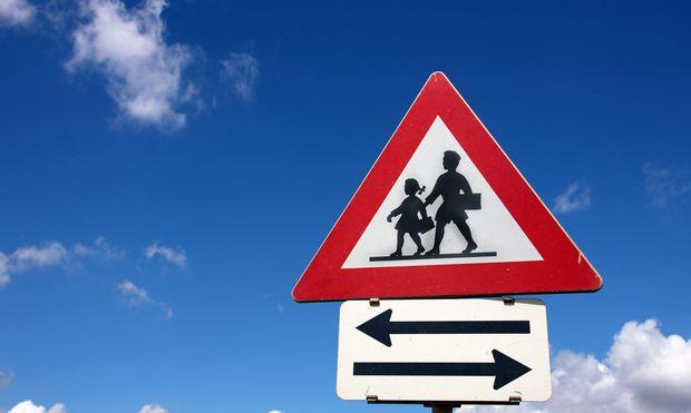 Verkehrszeichen Schulweg