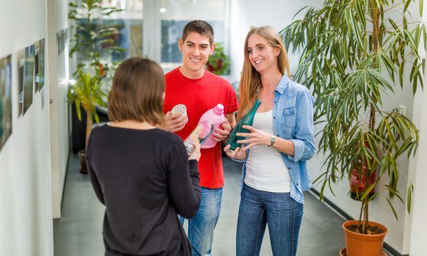 Verschiedenste Materialien in Betracht zu ziehen ist ein wichtiges Element des Verpackungstechnologie- Studiums an der FH Campus Wien.