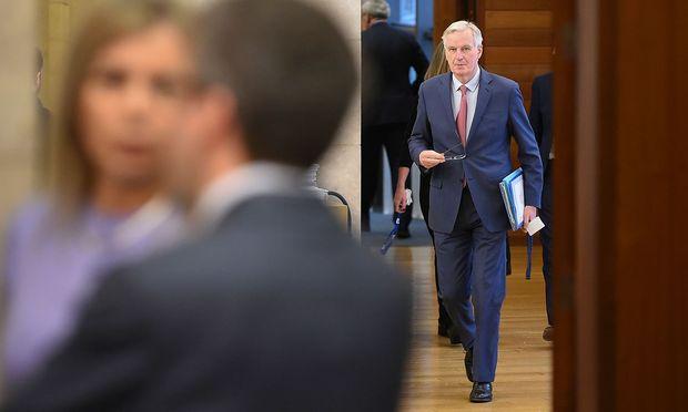Schwer geprüft: EU-Chefverhandler Michel Barnier hat in mühevoller Kleinarbeit den Austrittsvertrag finalisiert, von dem die Briten nichts mehr wissen wollen.