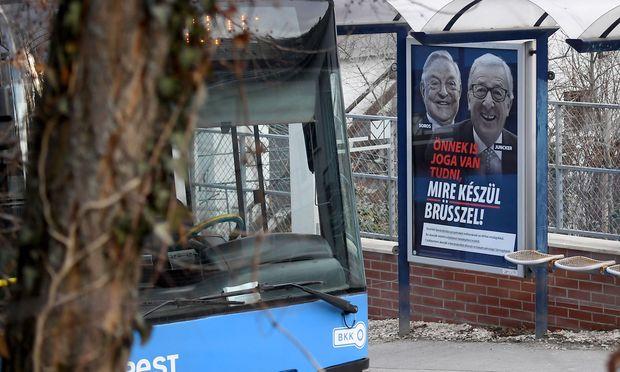 Ungarns Regierung greift in ihrer neuesten Anti-EU-Kampagne Kommissionspräsident Juncker persönlich mit Gerüchten an.