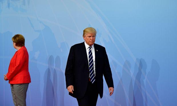 Der letzte G20-Gipfel fand im vergangenen Jahr in Hamburg statt. Schon damals war die Stimmung zwischen der deutschen Kanzlerin Merkel und US-Präsident Trump nicht die beste. / Bild: (c) APA/AFP/TOBIAS SCHWARZ