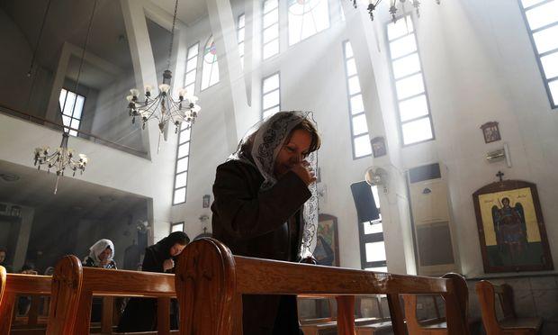 Eine assyrische Christin in einer Kirche in Ostdamaskus.
