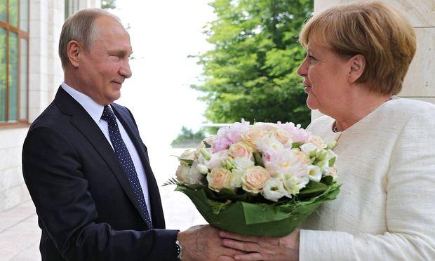 Die deutsche Kanzlerin traf in Sotschi auf den Kreml-Chef.