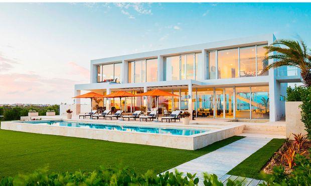 """""""Home & Villas"""" bietet 2000 Premium- und Luxusimmobilien auf der ganzen Welt an."""
