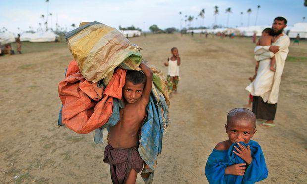 Reisenden bleiben die Katastophen oft verborgen, etwa die Verfolgung und Vertreibung der Rohingya aus Myanmar (hier im Flüchtlingscamp in Bangladesch).
