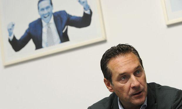Heinz-Christian Strache will in Israel eine Gesprächsbasis aufbauen und hat dabei eine mögliche Regierungsbeteiligung der FPÖ im Blick.
