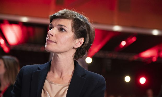SPÖ-Chefin Pamela Rendi-Wagner absolviert heute ihren ersten internationalen Auftritt als Parteivorsitzende