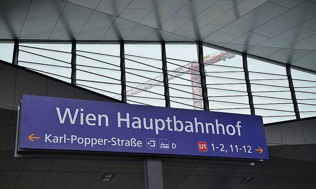 Die optisch größte Neuerung: der Wiener Hauptbahnhof öffnet vier Bahnsteige.
