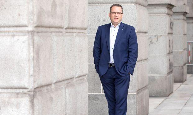 Als eine der Säulen im Kurz-Team nicht unumstritten: Klubobmann August Wöginger (hier in Linz).