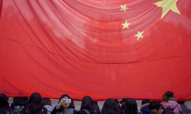 Huawei, der zweitgrößte Smartphone-Hersteller der Welt, verklagt die US-Regierung.