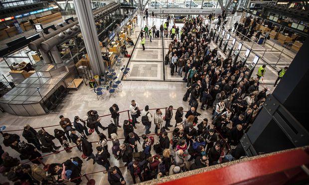 Streik am Flughafen - Symbolbild