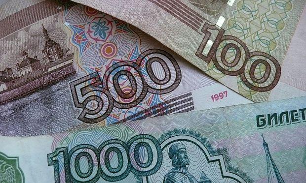Anleger decken sich mit Rubel ein