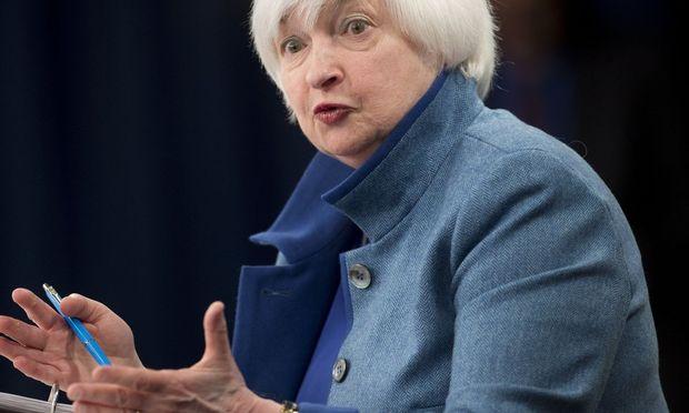 Ob Janet Yellen auch nach Jänner 2018 noch die wichtigste Notenbank der Welt leiten wird, steht in den Sternen / Bild:  AFP (SAUL LOEB)