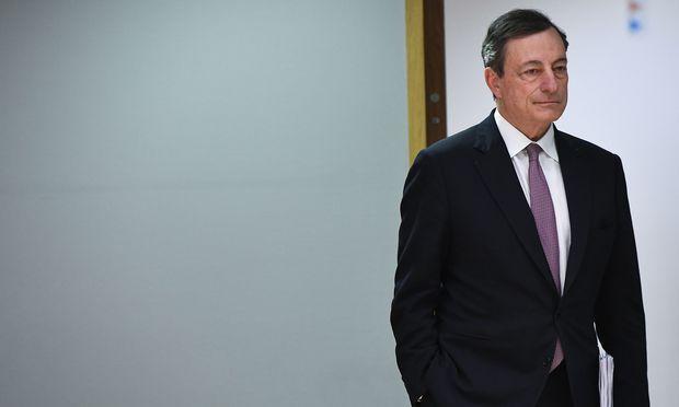 Mario Draghi sitzt noch etwas mehr als ein Jahr im Chefsessel der EZB: Wird er den Ausstieg aus der Geldflut noch einleiten? / Bild: (c) APA/AFP/EMMANUEL DUNAND