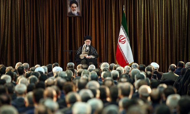Irans oberster Führer, Ayatollah Ali Khamenei, hat den Ton gegen die USA zuletzt verschärft. Auch Washington rüstet verbal auf.