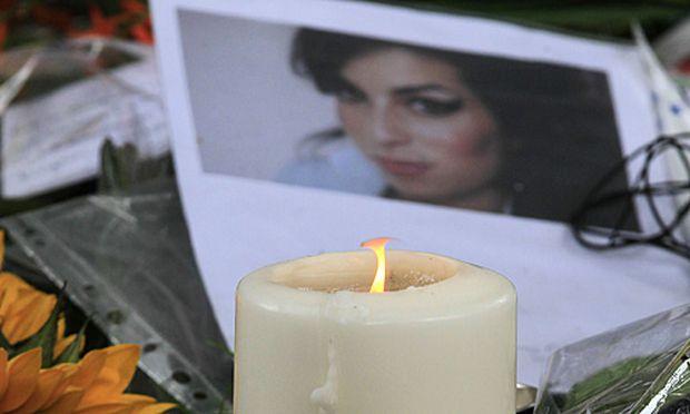 Winehouse Bestattung heute Familienkreis