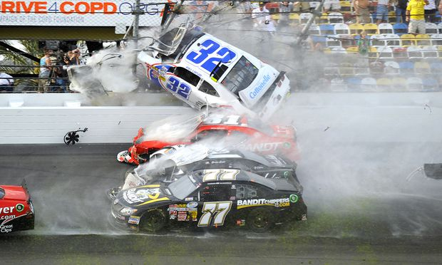 Motorsport Horrorcrash Daytona mindestens