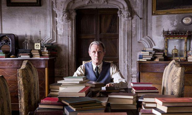 Billy Nighy als schrulliger alter Bibliophiler, der in seinem verlassenen Herrenhaus Bücher hortet.