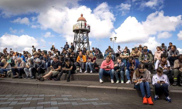 NETHERLANDS-GAME