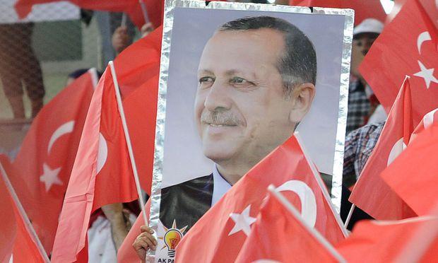 Soll der türkische Präsident, Recep Tayyip Erdoğan, wie im Jahr 2014 nochmals in Wien für seine Sache werben dürfen?