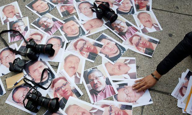 Die Fotos ermordeter mexikanischer Journalisten.