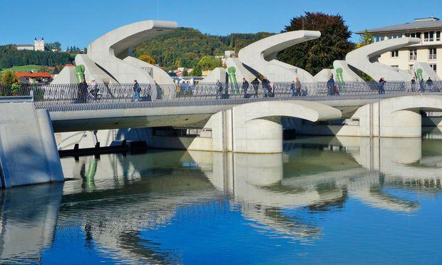 Salzburg. Die Sohlstufe Lehen produziert Energie sowie Mehrwert für die Stadt.
