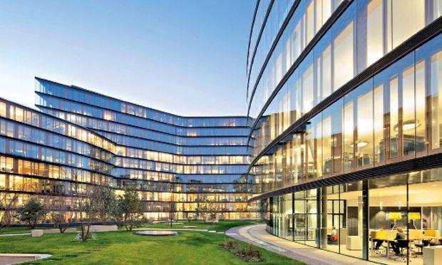 Ein Headquarter mit Ausblick – am Erste Campus der Erste Bank in Wien gibt es für jeden der Mitarbeiter gleich gute Arbeitsplätze ...